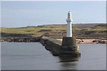NJ9605 : South breakwater, Aberdeen harbour by Mike Pennington