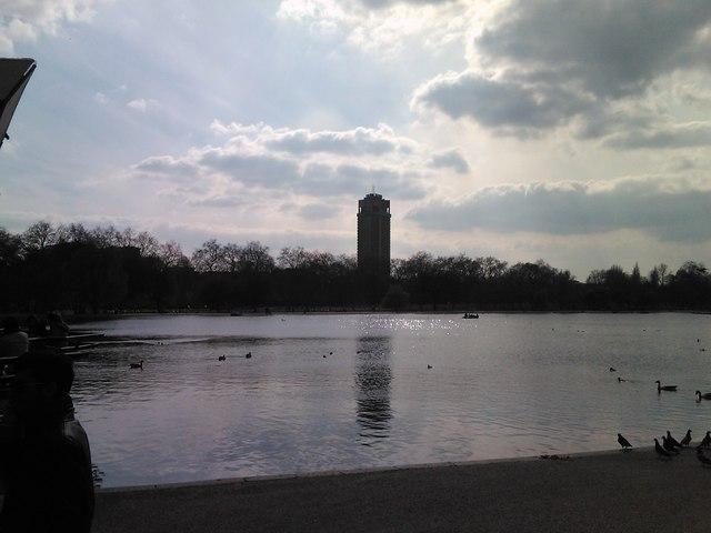 Towerblock on Knightsbridge from Hyde Park