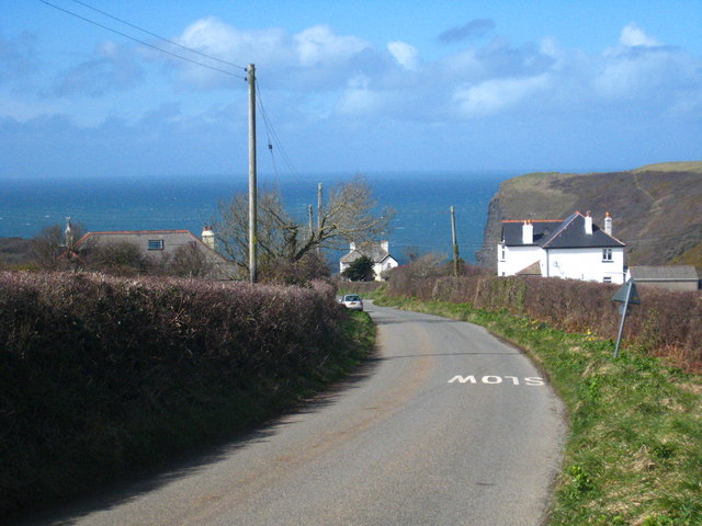 The road down to Crackington Haven