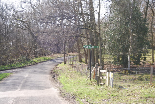 High Weald Landscape Trail signposted off Rectory Park Rd
