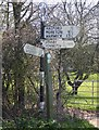 SP2645 : Finger post sign by entrance to Parkhill Farm, Halford by David P Howard