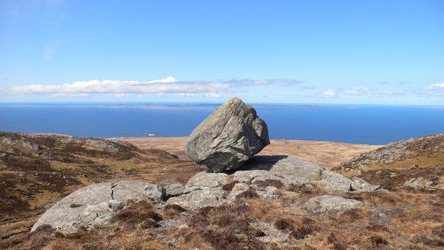 Balancing rock on Rainberg Mor summit ridge