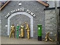 N9747 : Sculptures, Batterstown, Co Meath by C O'Flanagan