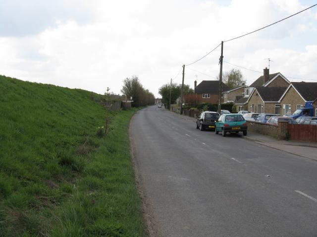 Guyhirn - High Road, looking southwest