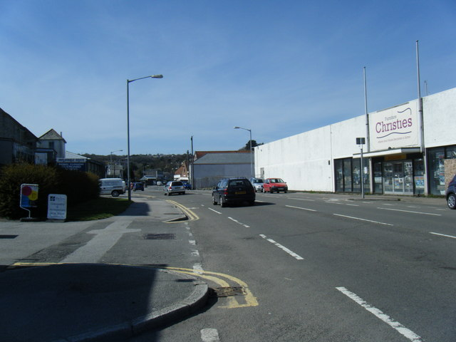 Commercial road