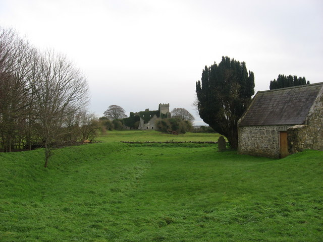 Tremblestown Castle and old graveyard