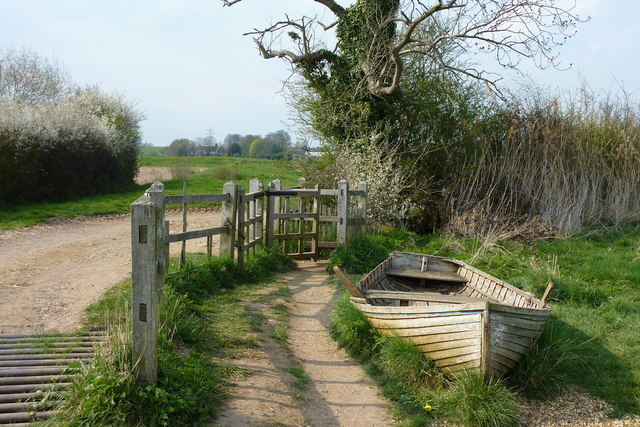 An old rowing boat by the footpath near the Pleasance, Kenilworth Castle