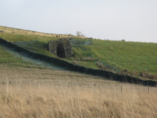 Lime kiln below The Pike