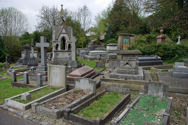 Graves and tombs, Brighton Borough Cemetery