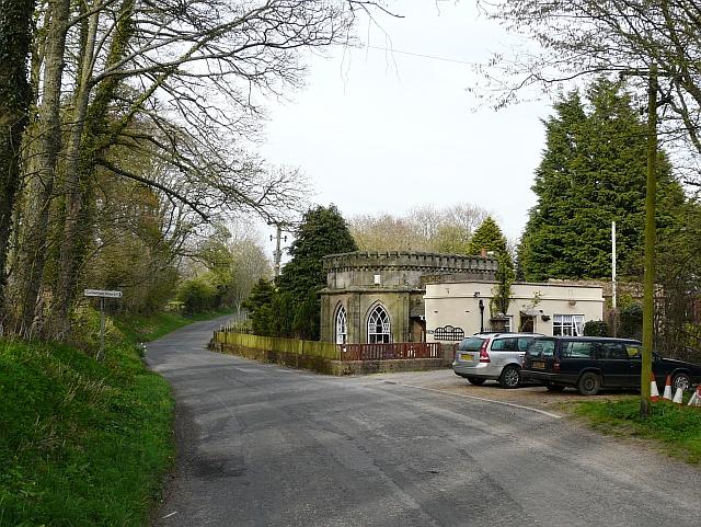 Former lodge to Camerton Hall