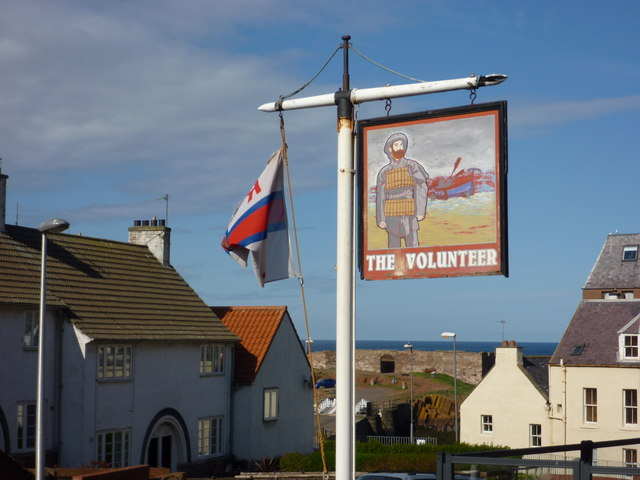 Dunbar Townscape : The Volunteer at Victoria Street, Dunbar, East Lothian