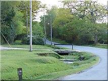 SU3012 : Stream and bridge, Beechwood Road by David Martin