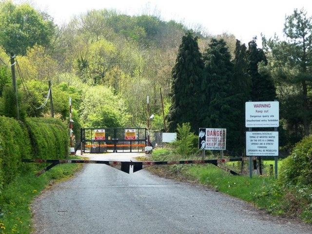 Entrance to quarry, off A495