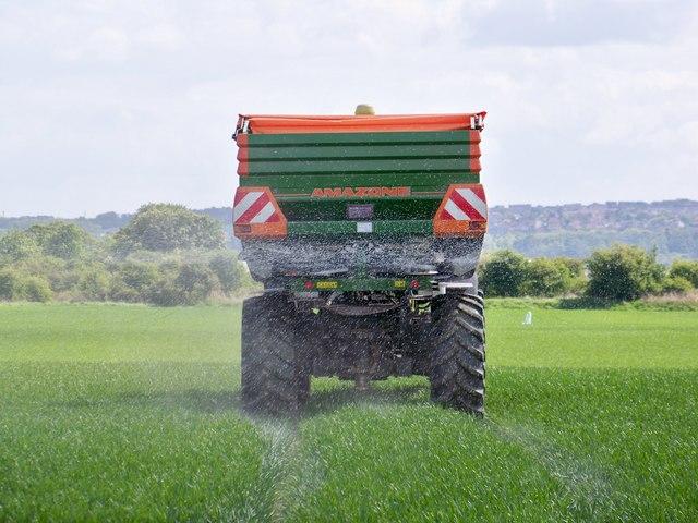Fertiliser Spreading On Arable