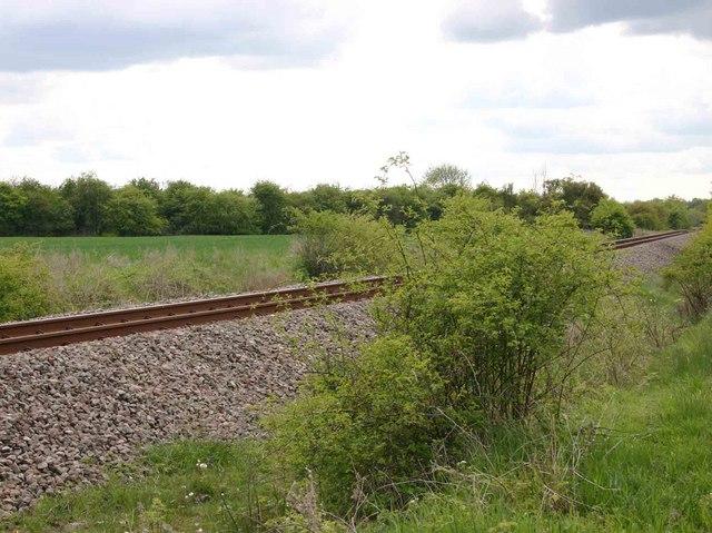 DSDA Kineton rail tracks by footpath to Gaydon