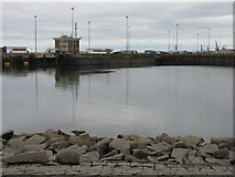 NT2677 : Entrance to the Port of Leith by M J Richardson
