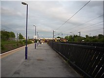 SE4081 : Southbound on Thirsk Station by DS Pugh