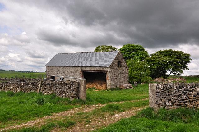 Barn and drystone wall - Parwich