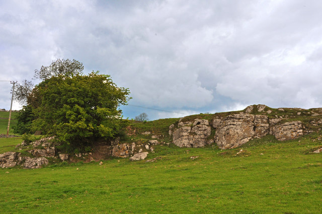 Limestone outcrop on the lower slopes of Parwich Hill