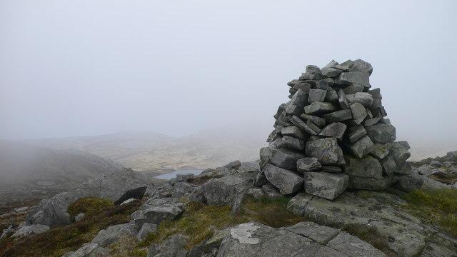 Cairn on eastern top of Rainberg Mor