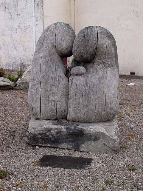 Sculpture at Geesala