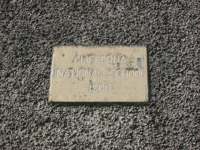 Plaque on Clifferna School
