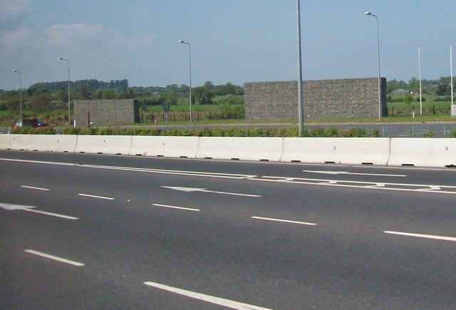 Windbreaks on the M1 north of the Balgeen Toll Plaza