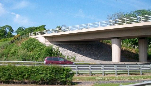 The R108 bridge over the M1