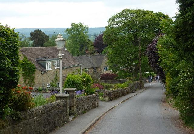 Bar Road descending to Baslow village
