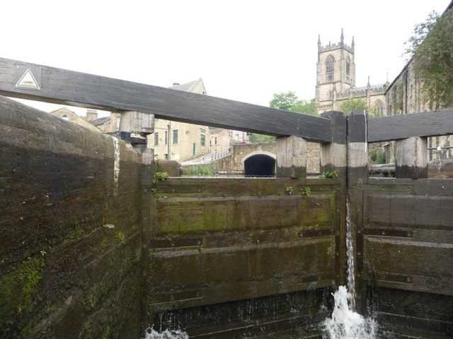 Sowerby Bridge from the Rochdale Canal