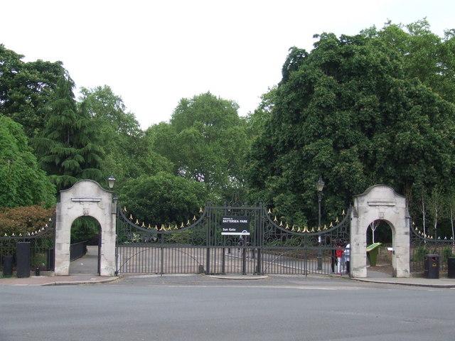 Battersea Park, Sun Gate