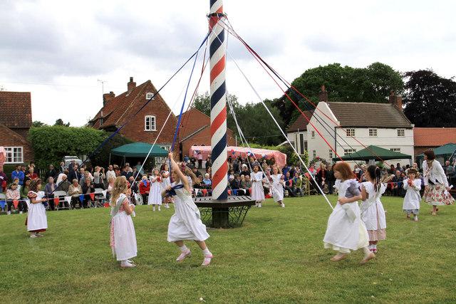 Maypole Dancing in Wellow
