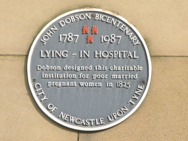 Plaque re the (former) Lying-in Hospital