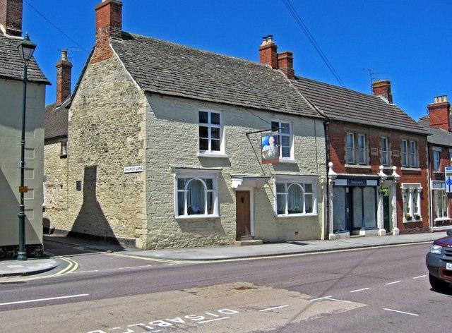 The former Kings Head pub, 28 High Street