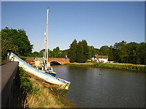 TM2850 : Old boat at Wilford Bridge Quay by Chris Holifield