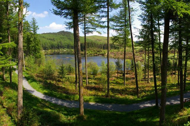 Nant-yr-Arian Lake