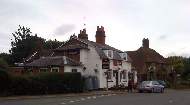 The Maypole, Borden