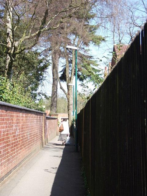 The Blundells footpath, Kenilworth