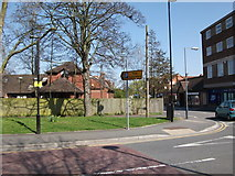 SP2871 : 'New Superstore' sign, Station Road, Kenilworth by John Brightley