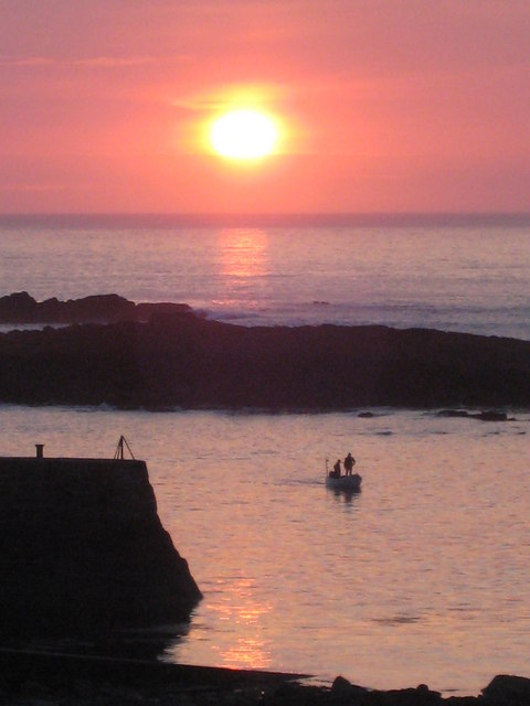 Sunset over the Cowloe rocks
