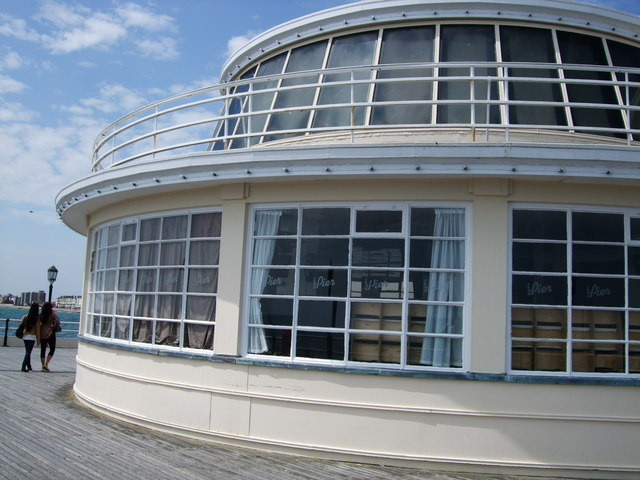 Pavilion at end of Worthing Pier
