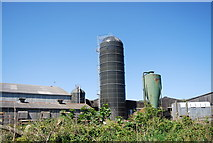 NZ9404 : Silo, Middlewood Farm by N Chadwick