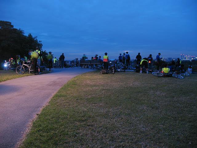 Primrose Hill: awaiting the dawn