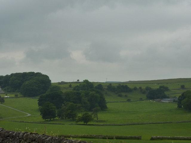Undulating farmland near Longcliffe