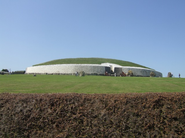 A view over the hedge of Newgrange Passage Tomb