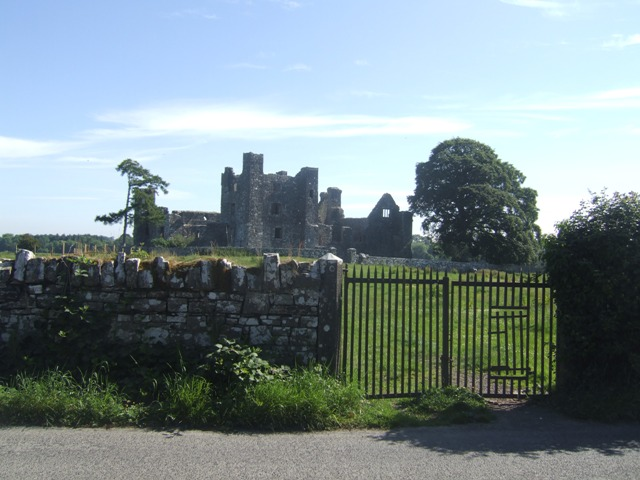 Gateway leading to Bective Abbey