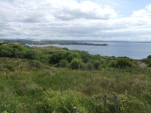 Rough farmland on Drumanoo Head