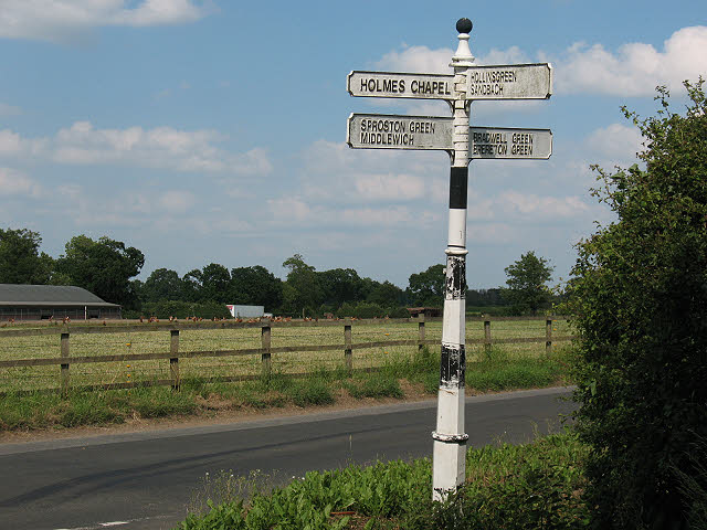 Old signpost on Jones's Lane (2)