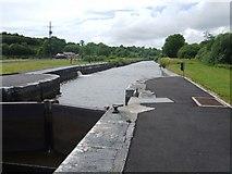 H0609 : Shannon-Erne Waterway - Lock 8 Castlefore by John M
