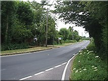 SP9015 : Tring Road, Gubblecote by Rob Farrow